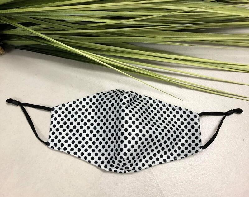 Mask Spots White & Black