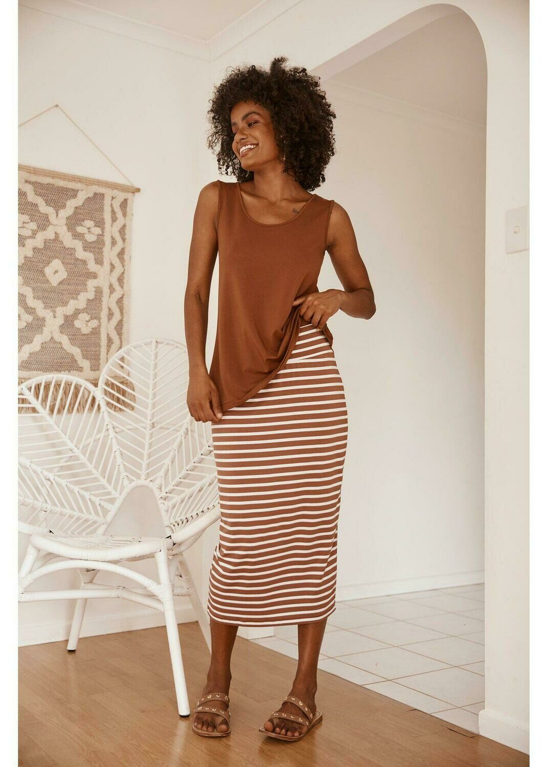 Long Whitney Tube Skirt Toffee & White
