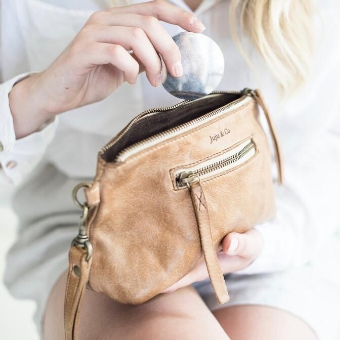 Small Leather Essential Pouch Natural
