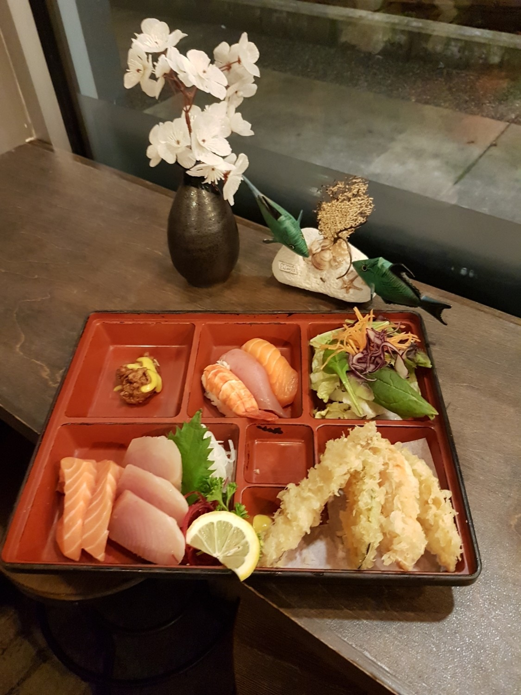 Sashimi Sushi Box