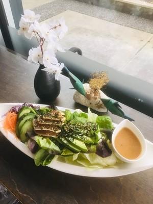 Tuna Tataki & Avo Salad