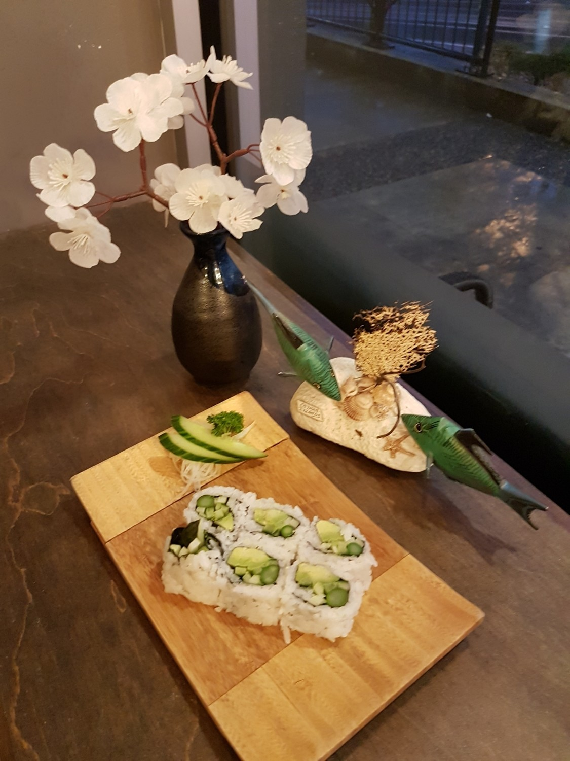Avocado, Asparagus and Kappa Roll