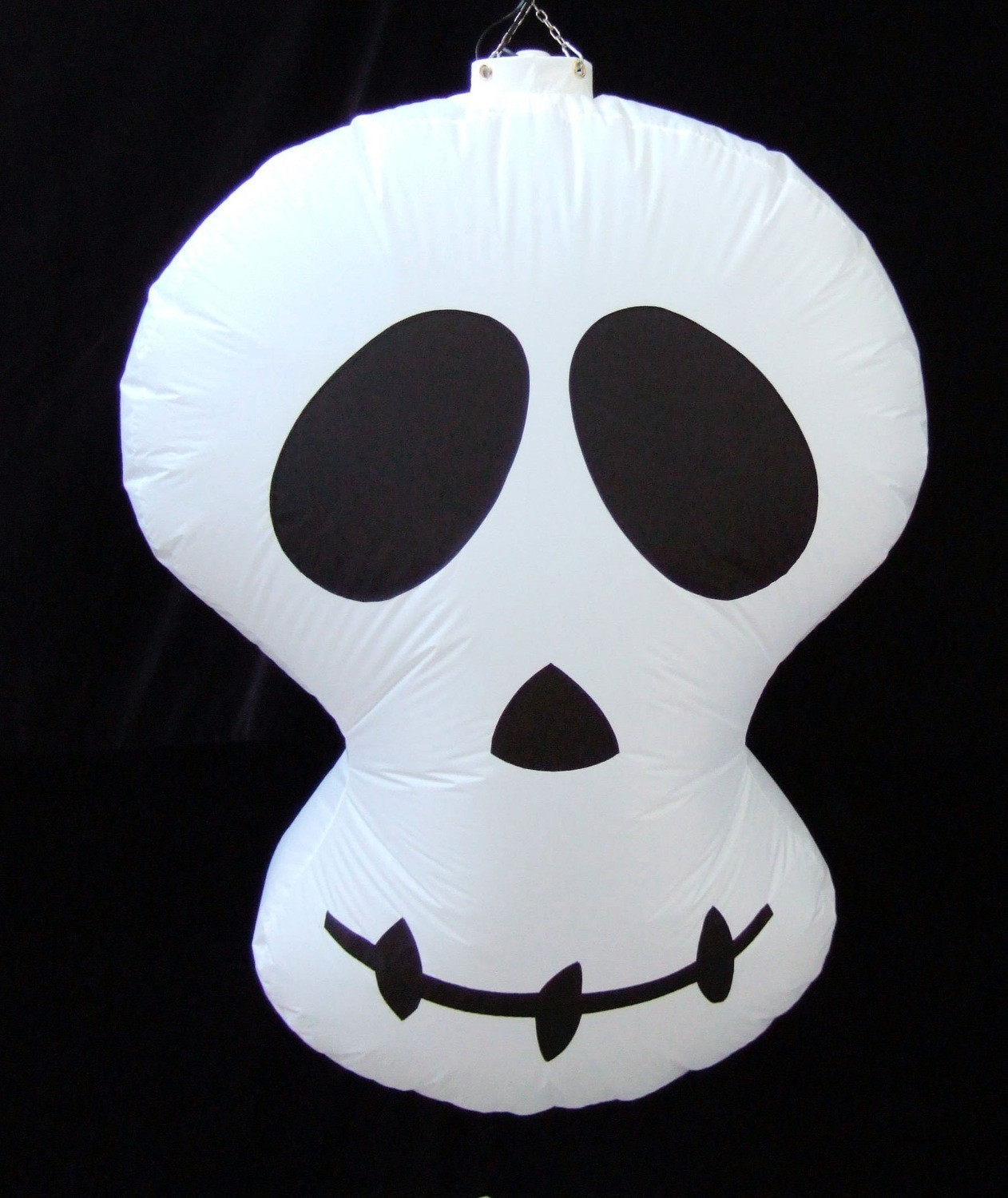 Hanging Inflatable Skull 3ft/91cm x 4.4ft/134cm