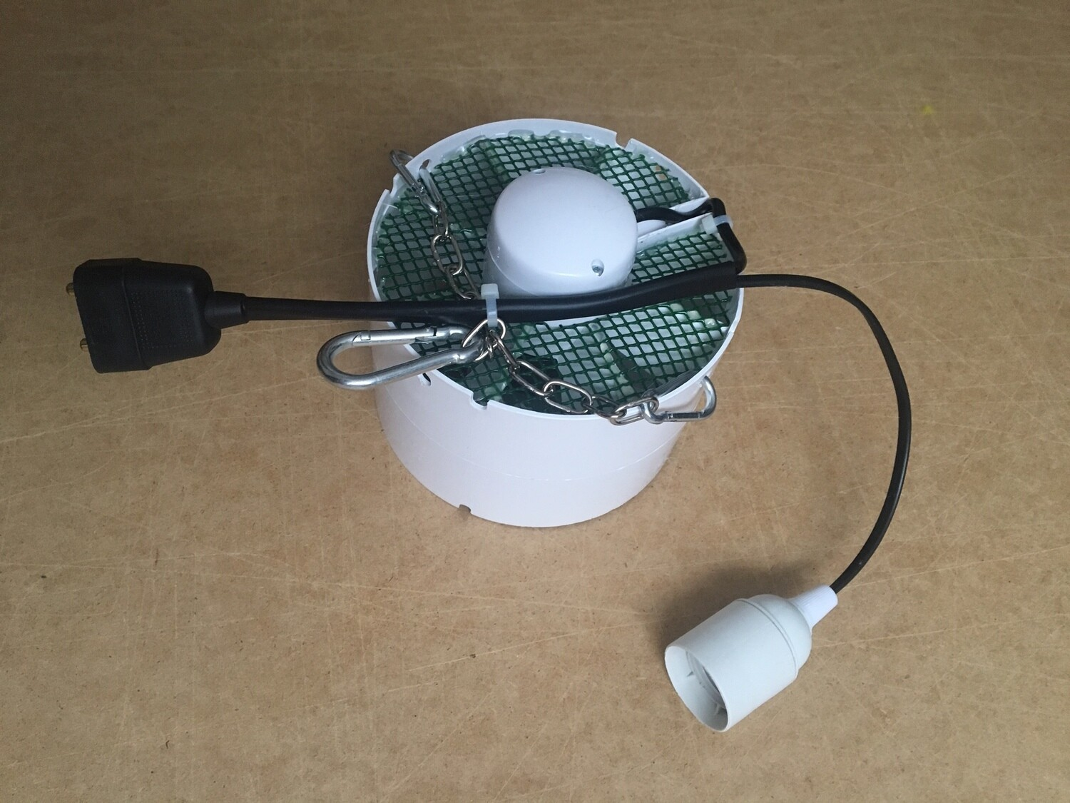 Extra 150mm Internal Fan with Chains & Light fittings.