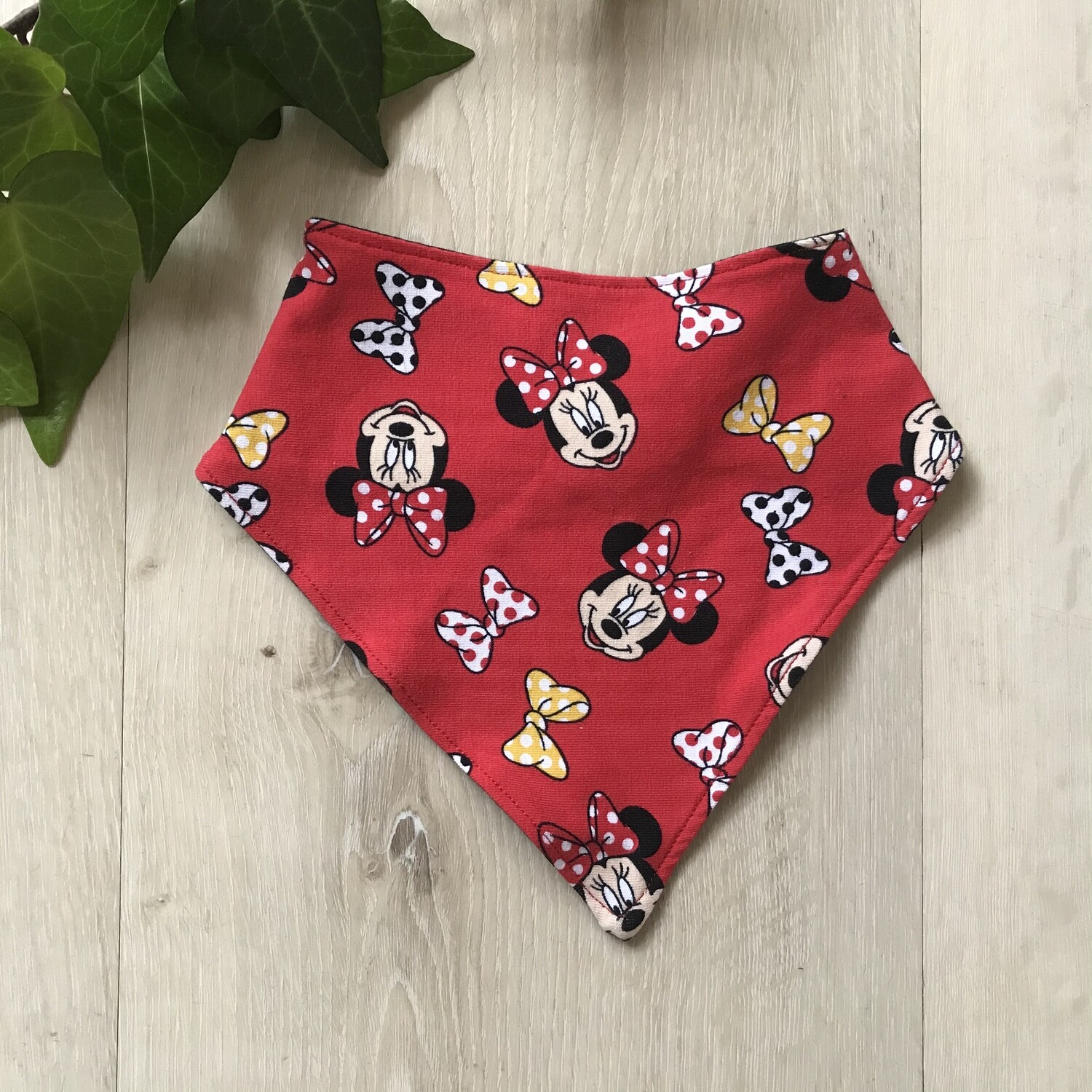 Minnie Bandana bib