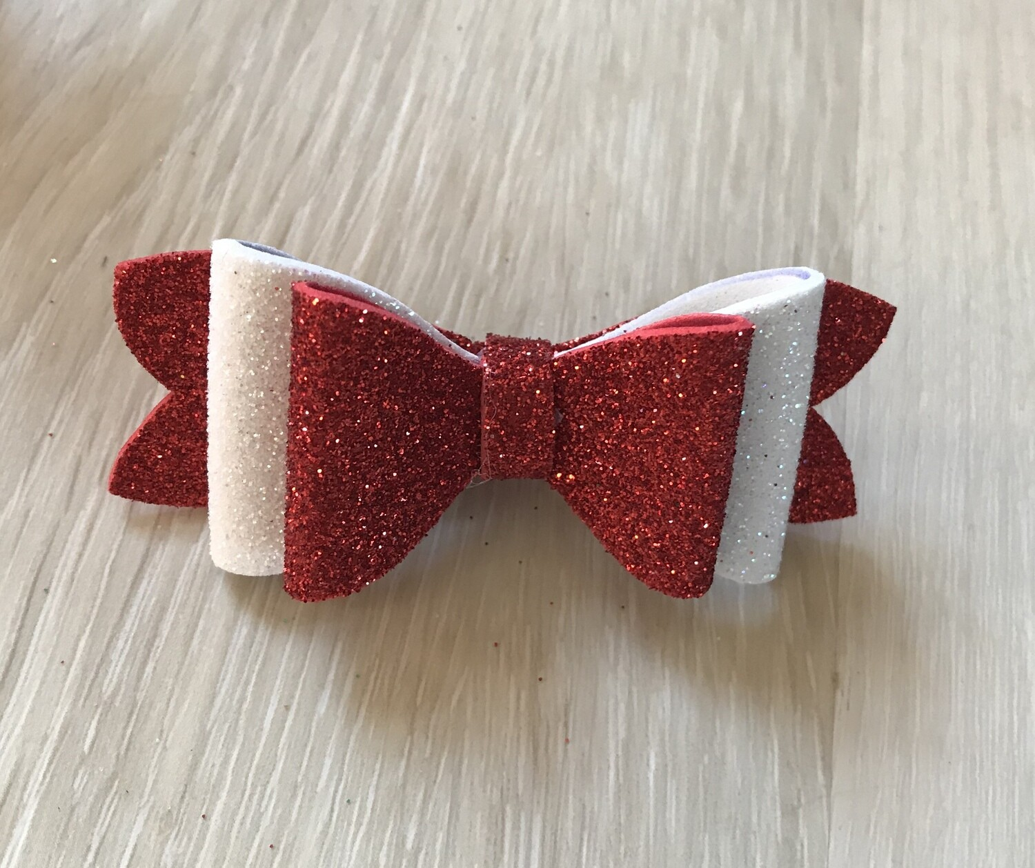 Christmas bow-red and white