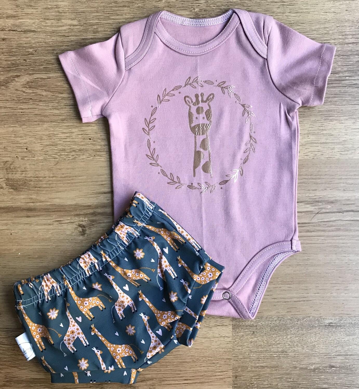 Pretty Giraffe bummies and onesie set
