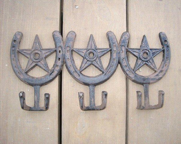 Horseshoes and Stars 3 Double Hooks T5046