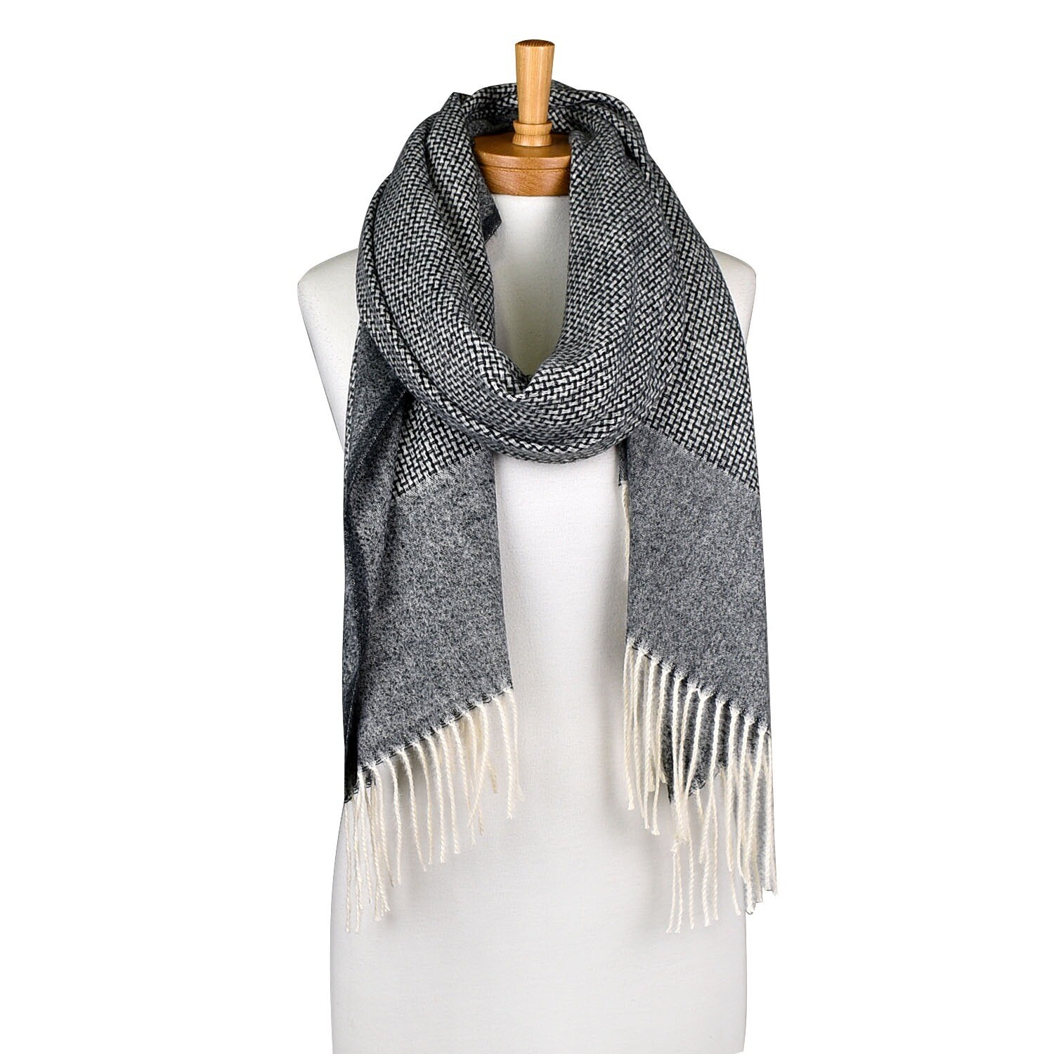 Bamboo knit Scarfe Charcoal THSS2018