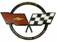 EMBLEM-FUEL DOOR-CROSS FLAG-COLLECTOR'S EDITION-GM RESTORATION-82 (#E3798)