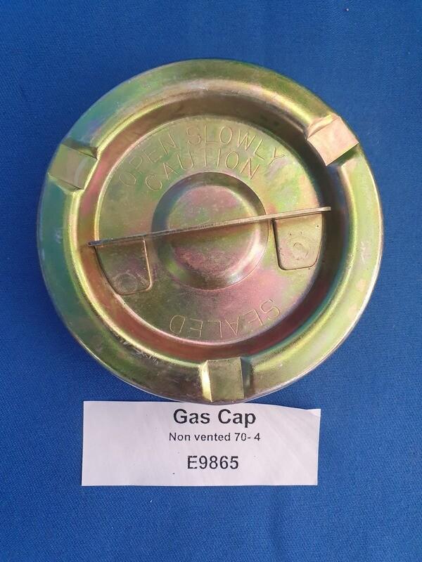 CAP-GAS-NON VENTED-ORIGINAL STYLE-70-74 (#E9865)  4D6
