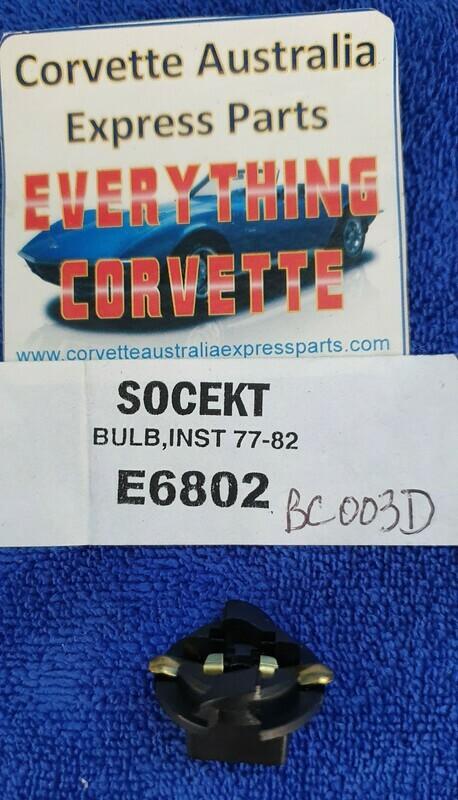 SOCKET-INSTRUMENT BULB-5/8 INCH HOLE-77-89 (#E6802)