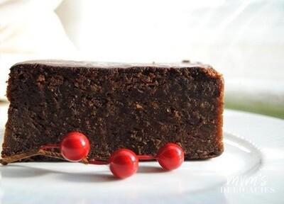 BLACK CAKE (CARIBBEAN RUM CAKE)
