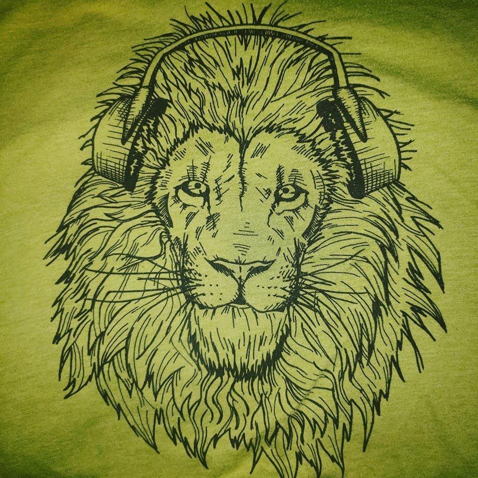 Forward Ever Lion t-shirt