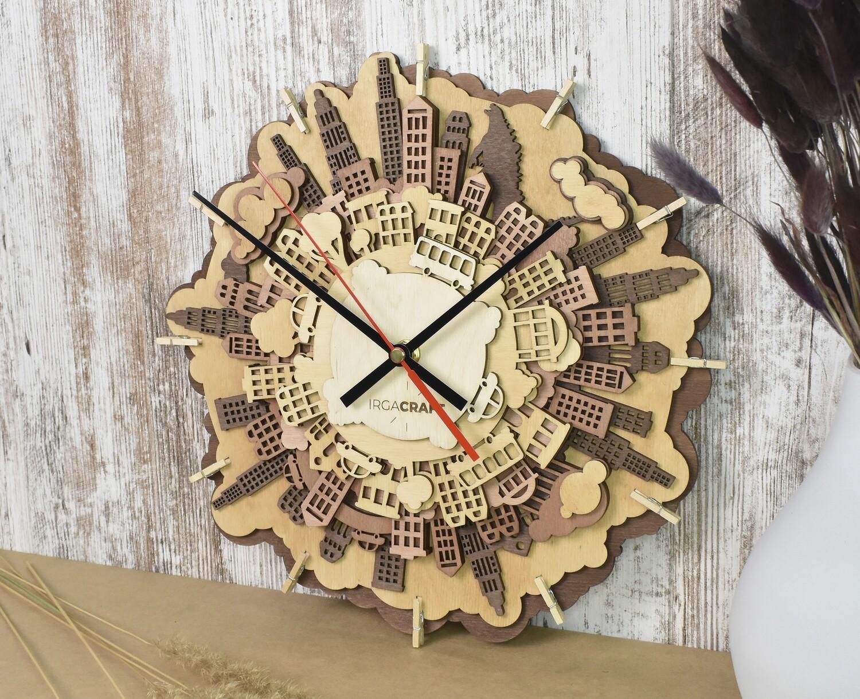 Часы настенные деревянные «Город»