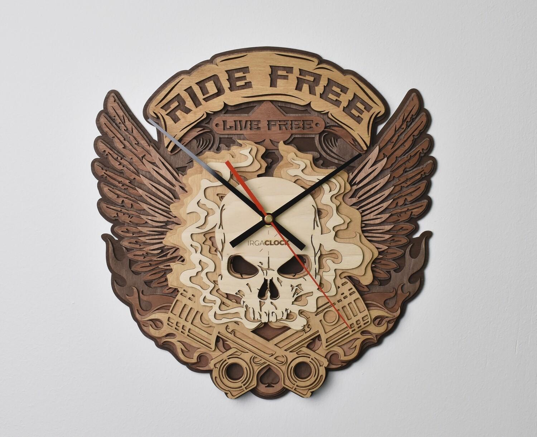 Часы настенные деревянные «Череп»