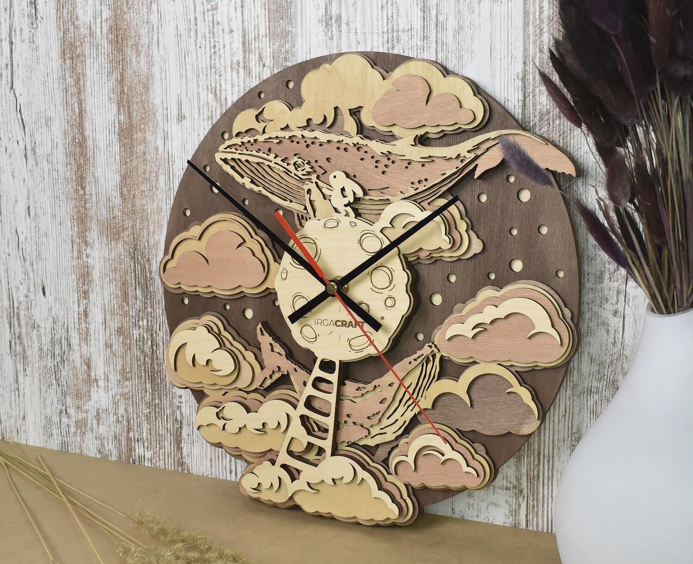 Часы настенные деревянные «Луна»