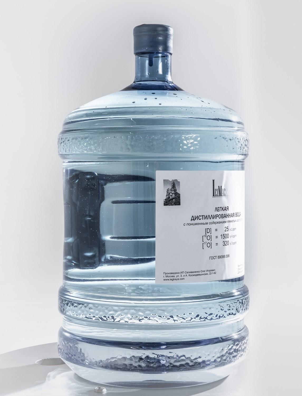 Легкая дистиллированная вода в ассортименте