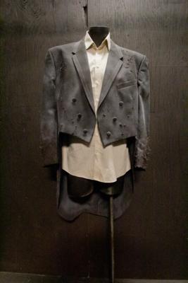 Tail Coat Medium