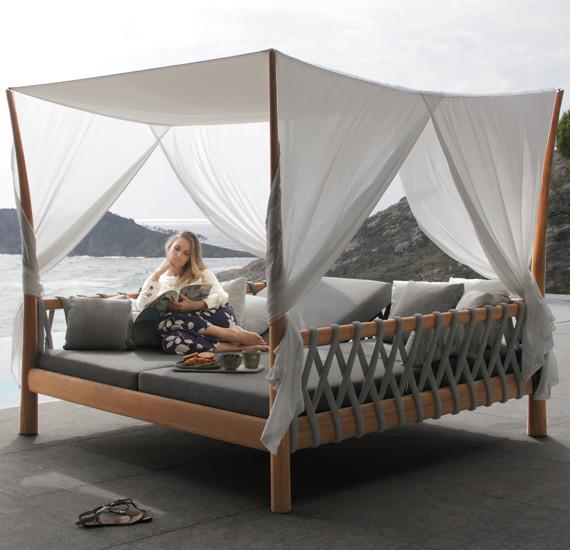 TUSKANY Тускани кровать для улицы из тика Royal Botania Бельгия