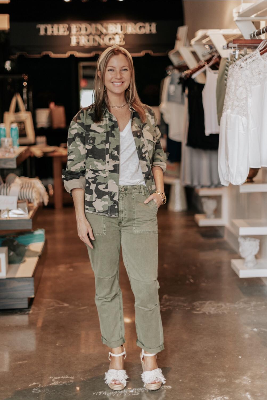 Size: 30 Austin Pants in Armi Olive