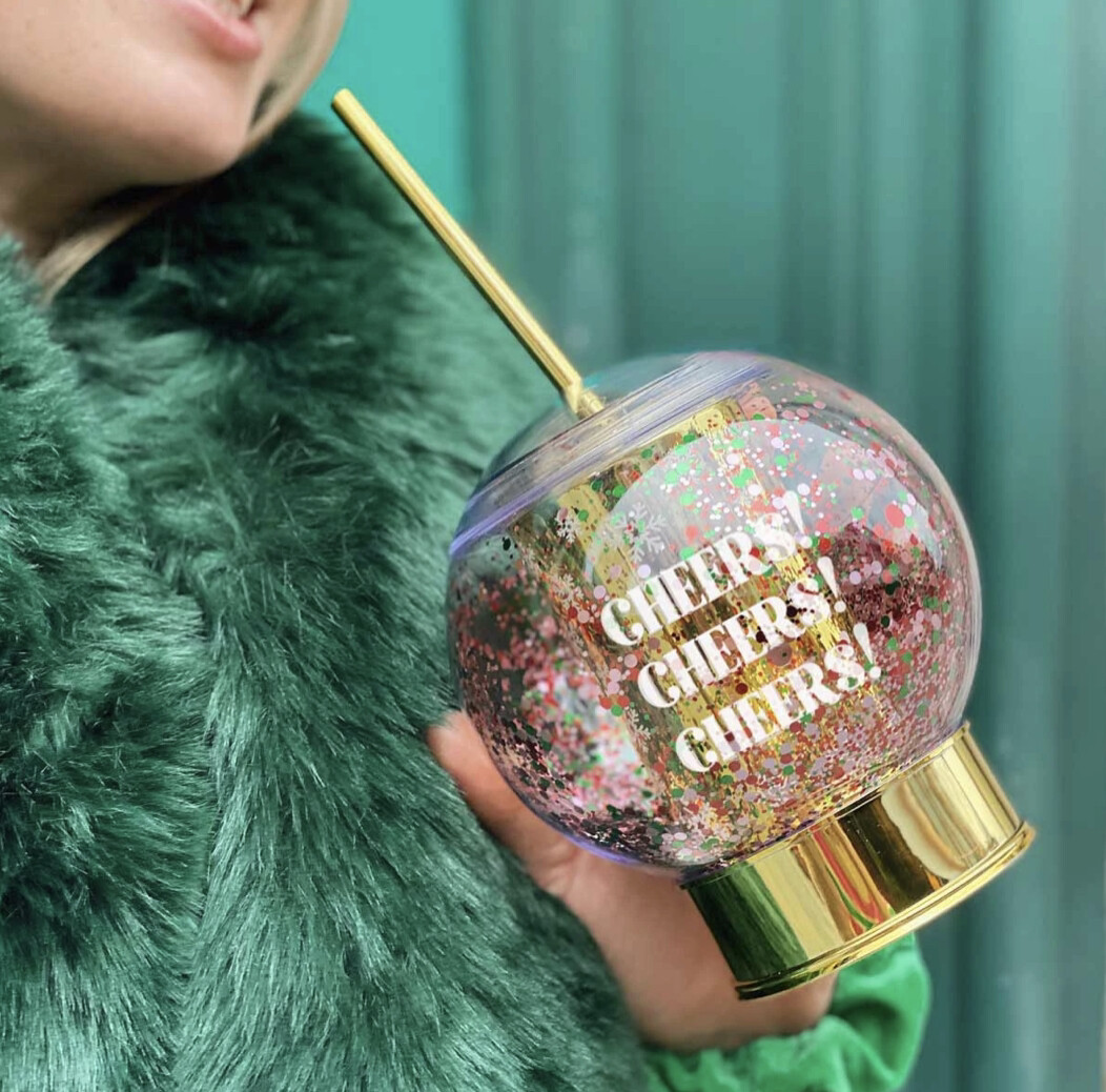 Snowglobe Sipper Cheers Cup