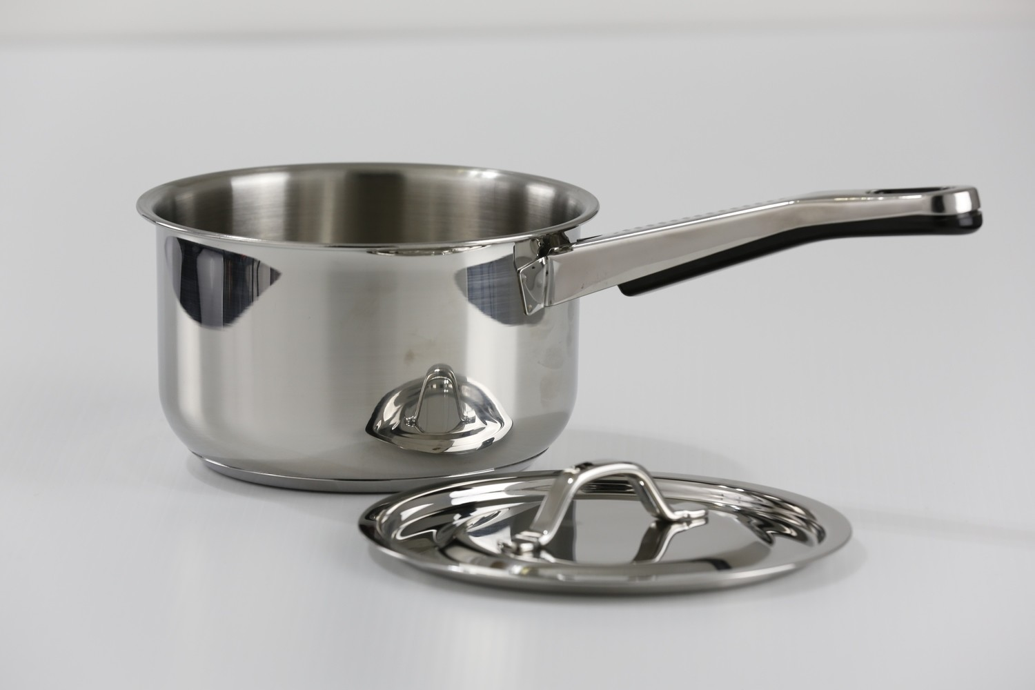 SS1 - 1.8 Qt. Stainless Steel Saucepan with Cover