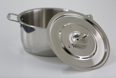 SS1 5.81 Qt. Stainless Steel Sauce Pot  with Stainless Steel Cover