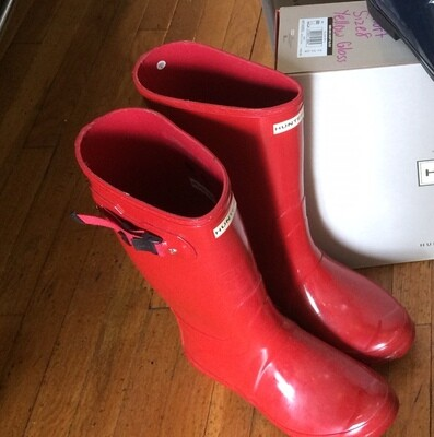 Hunter Boots Tall Red Matte Size 5
