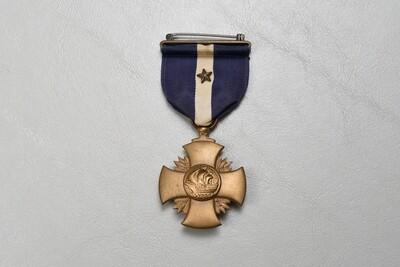 WWII U.S. NAVY CROSS w/ONE GOLD STAR