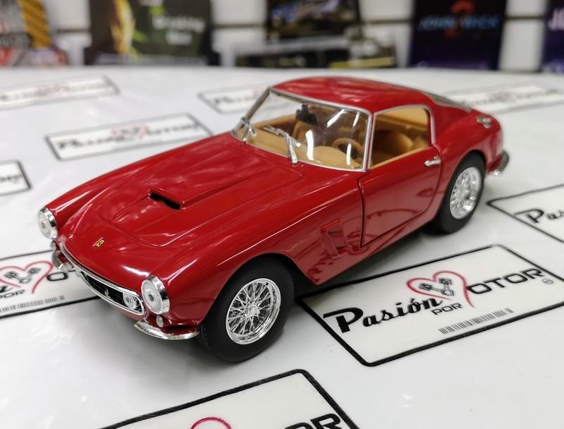 1:24 Ferrari 250 Gt Berlinetta Passo Corto 1959 Rojo Bburago Burago En Display / A Granel