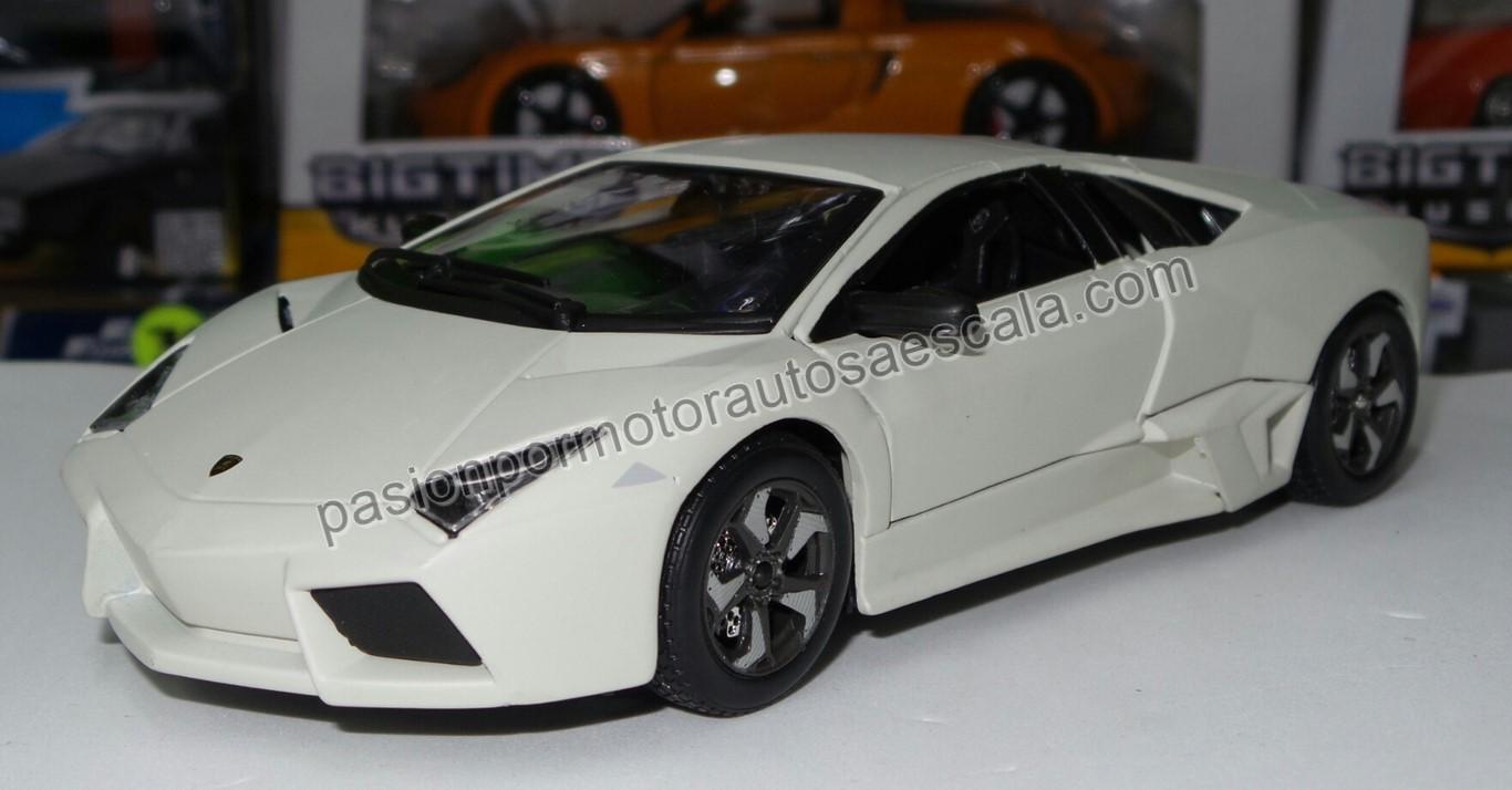 1:24 Lamborghini Reventon 2007 Beige Bburago En Display / A Granel