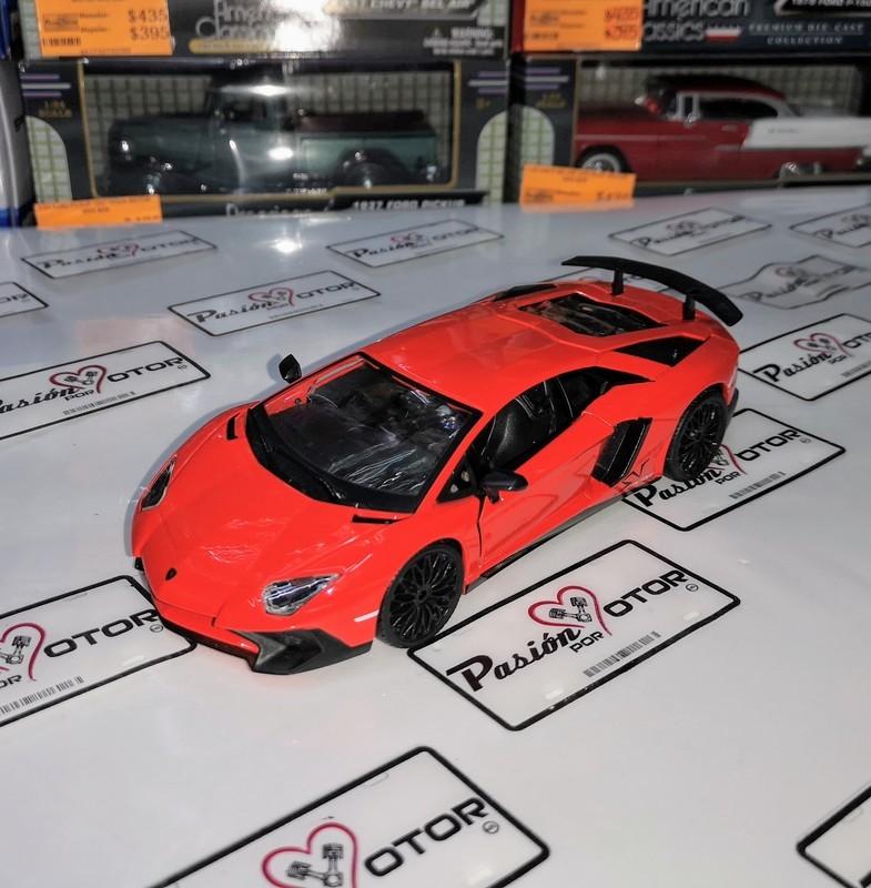1:24 Lamborghini Aventador Lp 750-4 SV 2015 Bburago En Display / A Granel