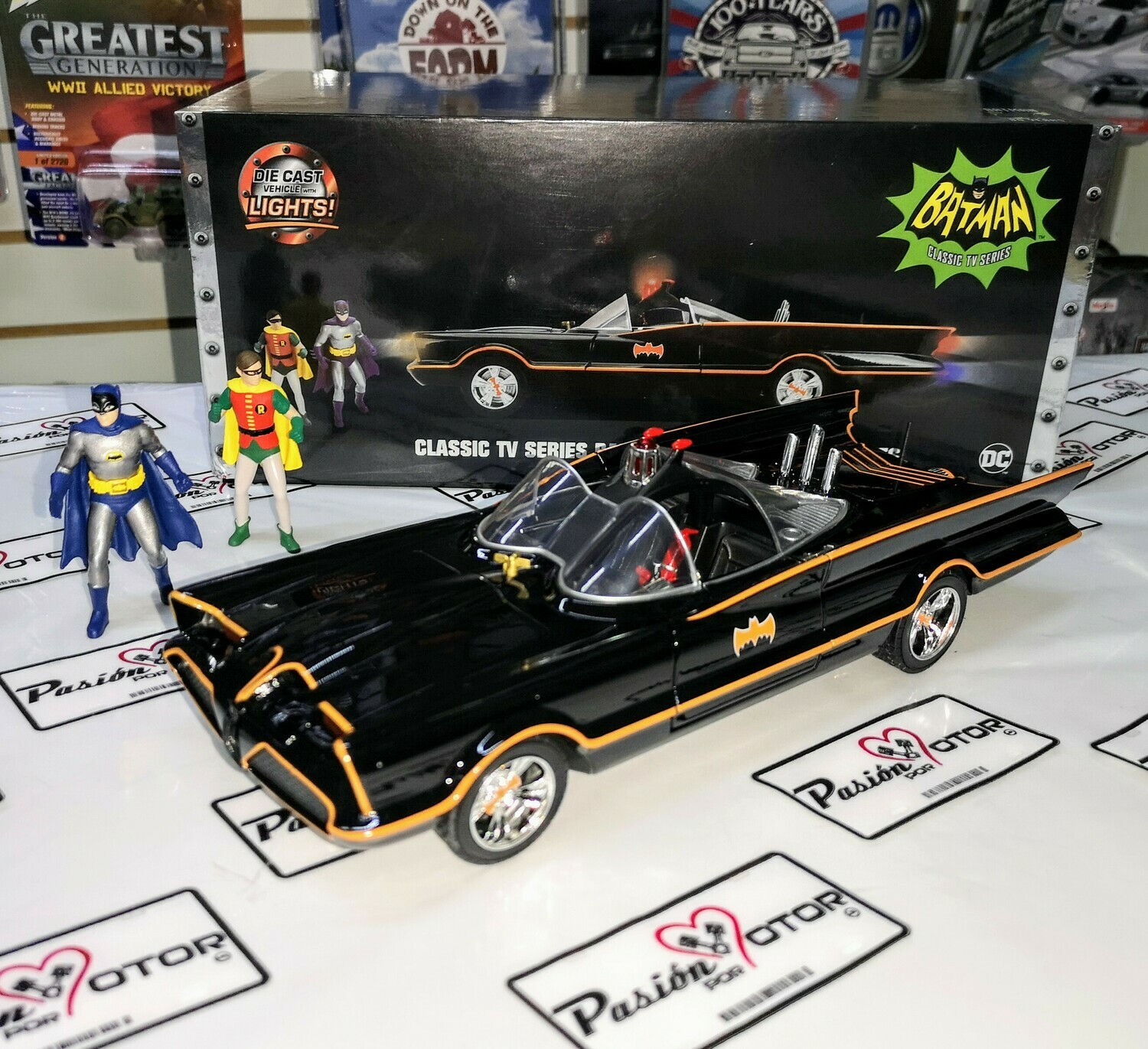 1:18 Lincoln Futura - Batimovil TV Series 1966 C Luz Batman y Robin Jada Toys Metals Batmobile