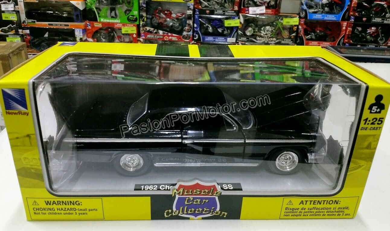 1:25 Chevrolet Impala Coupe 1962 Negro New Ray Muscle Car Collection C Caja