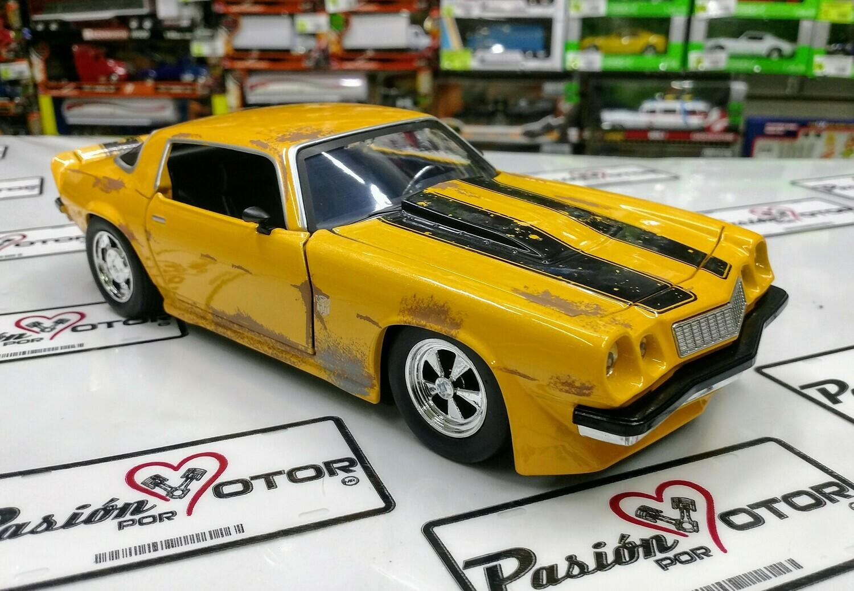 1:24 Chevrolet Camaro 1977 Bumblebee Transformers Jada Toys Hollywood Rides En Display / A Granel