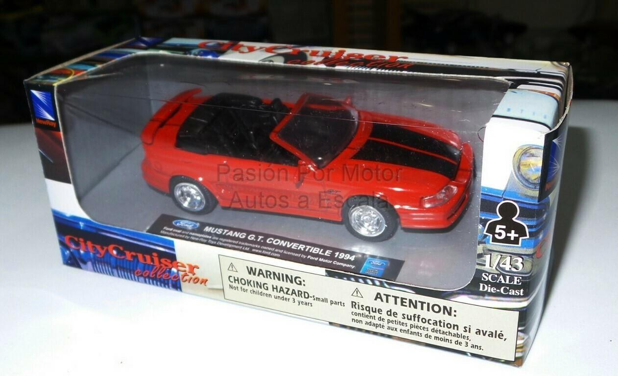 1:43 Ford Mustang Convertible 1994 Rojo New Ray