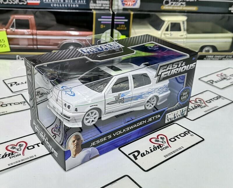 Jada Toys 1:32 Volkswagen Jetta Sedan A3 Jesse´s 1995 Blanco c Graficos Rapido y Furioso 1 En Caja