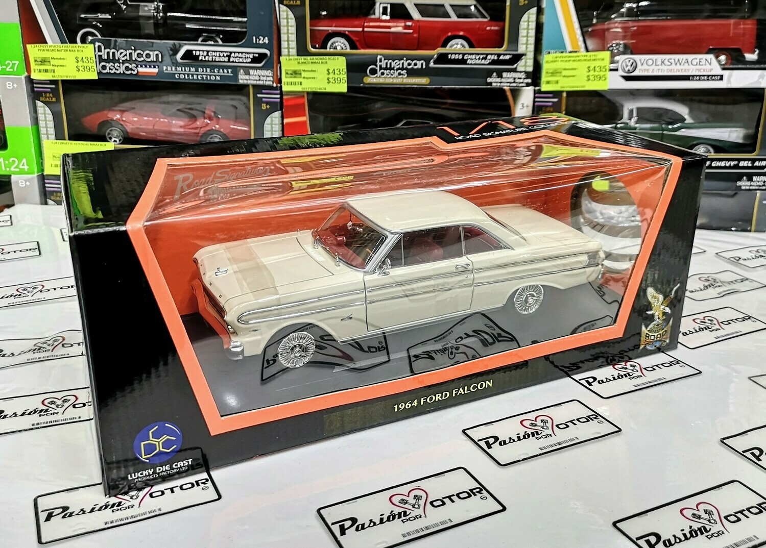 1:18 Ford Falcon Coupe 1964 Beige Lucky Die Cast Road Signature