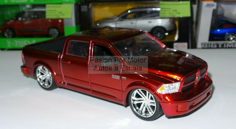 1:24 Ram 1500 Custom 2014 Rojo Candy Jada Toys  Just Trucks Dodge Pick Up C Caja
