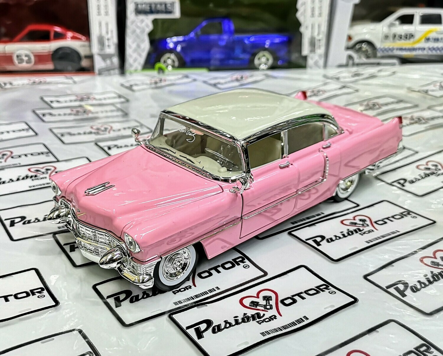 1:24 Cadillac Fleetwood 1955 Rosa Elvis Presley Jada Toys Hollywood Rides En Display / A Granel
