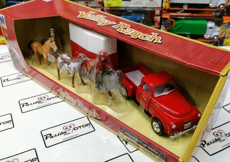 1:32 Dodge Pick Up 1952 Rojo Con Remolque Para Caballos y Figuras New Ray