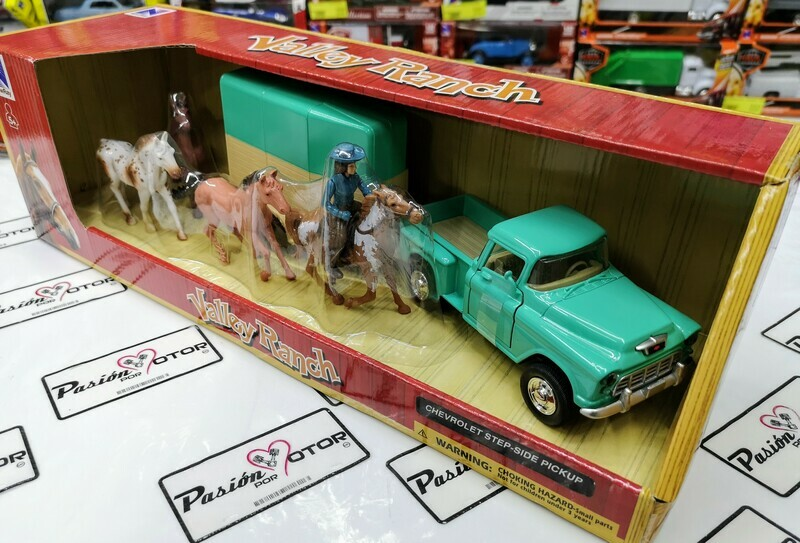 1:32 Chevrolet Stepside Pick Up 1955 Verde Con Remolque Para Caballos y Figuras New Ray