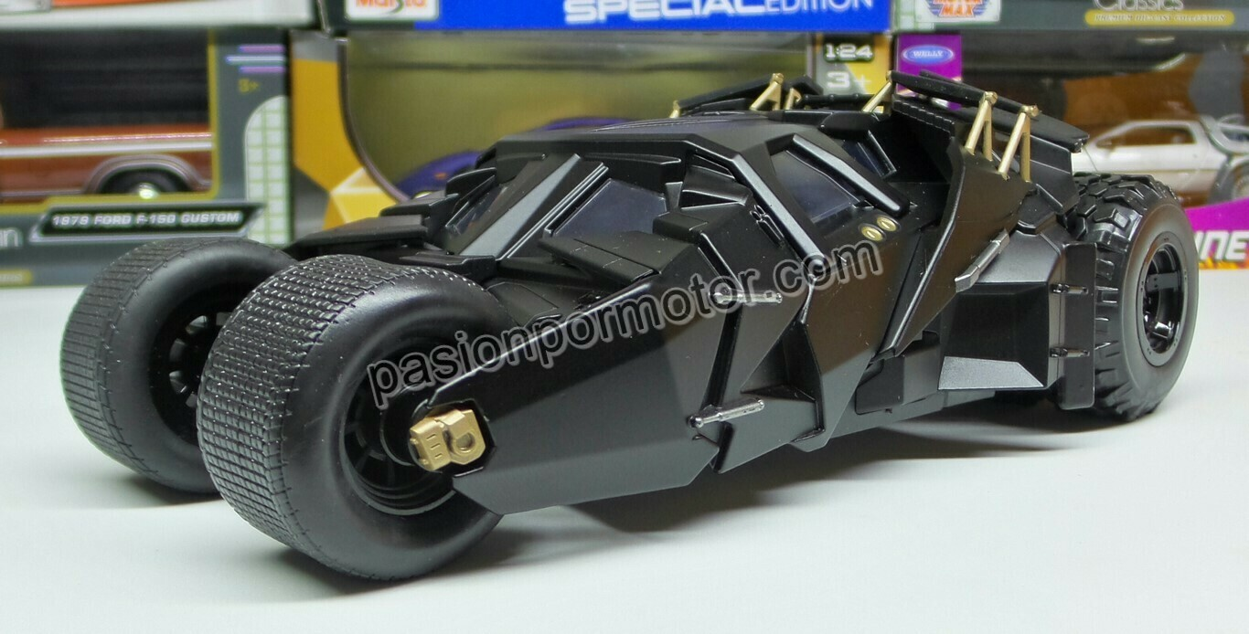 1:24 Batimovil 2005 Tumbler Negro Mate The Dark Night Jada Toys Metals DC Comics En Display / A Granel