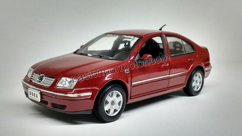 1:24 Volkswagen Bora - Jetta A4 2001 Rojo Welly En Display / A Granel
