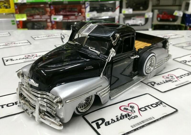 1:24 Chevrolet Pick Up 1951 Negro Plata Jada Toys Just Trucks En Display / A Granel