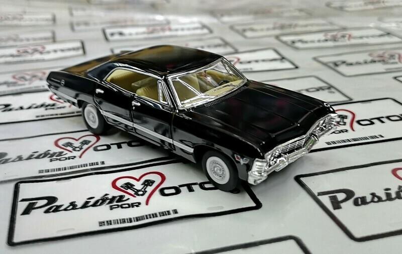 1:43 Chevrolet Impala Sport Sedan 1967 Negro Kinsmart En Display / a Granel