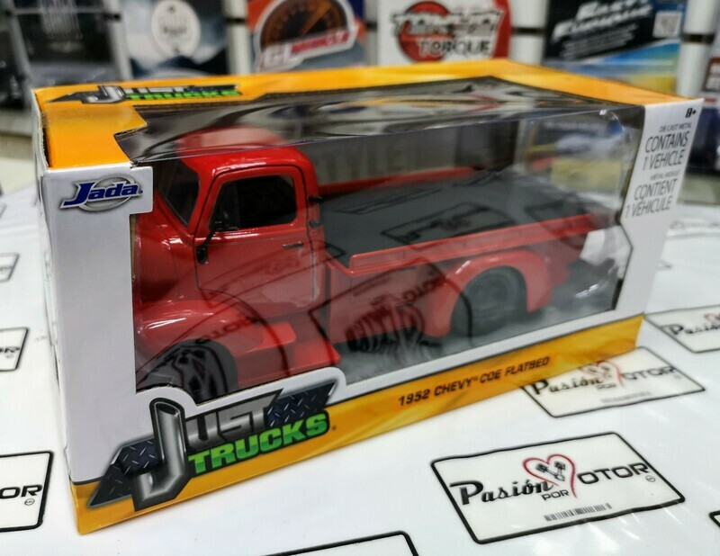 1:24 Chevrolet COE Grua Plataforma 1952 Rojo Jada   Just Trucks Con Caja