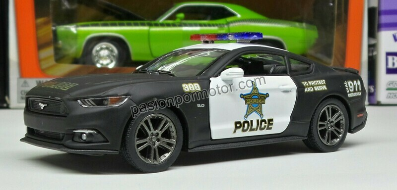 1:38 Ford Mustang GT 2015 Patrulla Police Kinsmart En Display a Granel 1:32 Shelby