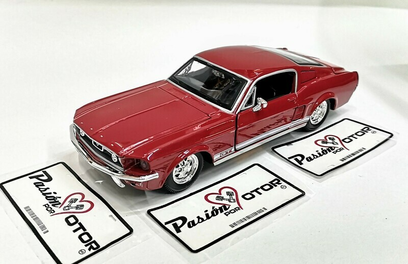 Maisto 1:24 Ford Mustang Coupe Fastback GT 1967 Rojo Special Edition Con Caja